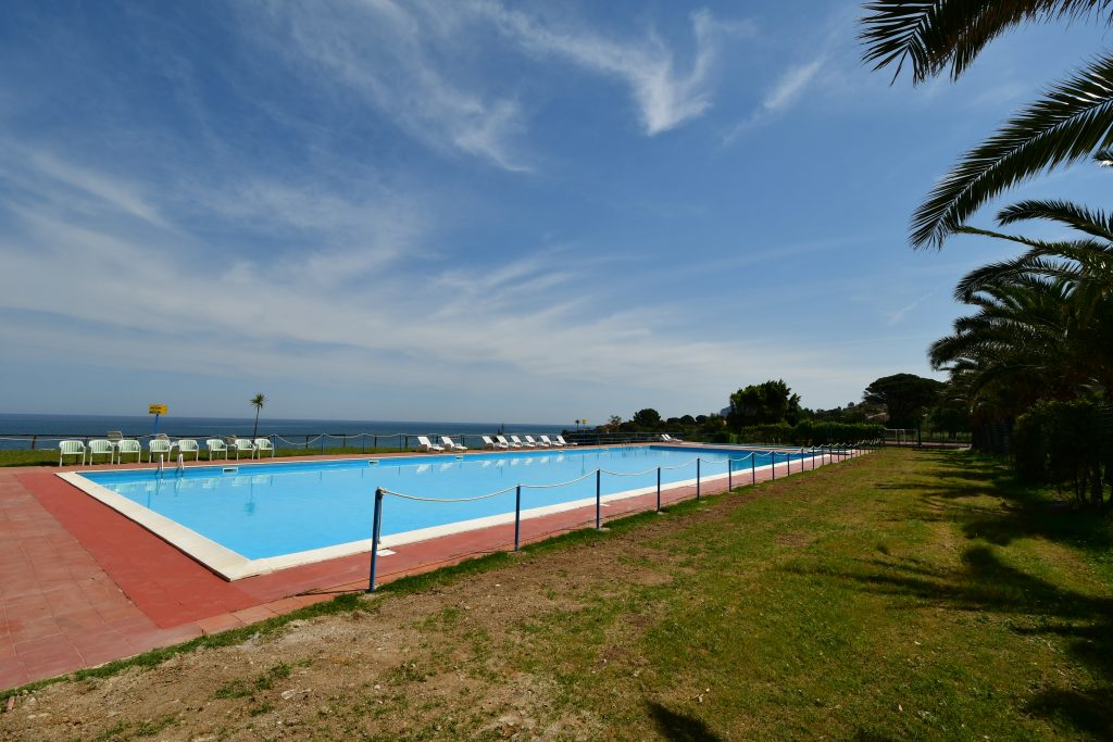 Pooltime_Camping_Sicily